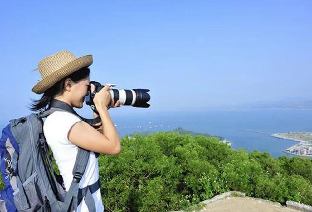 Du lịch là phương thức đã và đang được nhiều người áp dụng khi rơi vào trạng thái buồn bã, chán nản