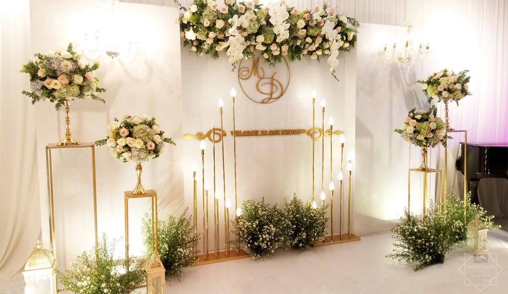 Thiết kế cổng hoa nghệ thuật giúp buổi lễ gây được ấn tượng tốt hơn trong mắt quan viên 2 họ