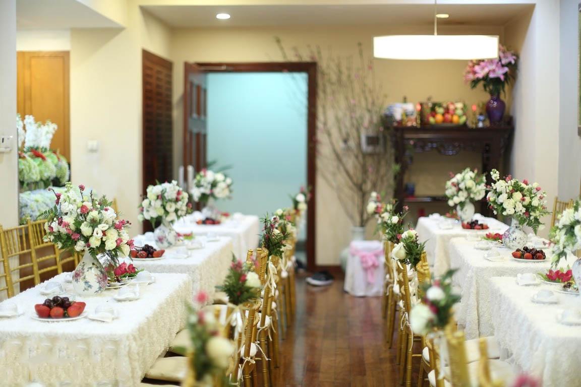 Đừng quên lựa chọn những tông màu tươi sáng trong cách trang trí lễ ăn hỏi đẹp