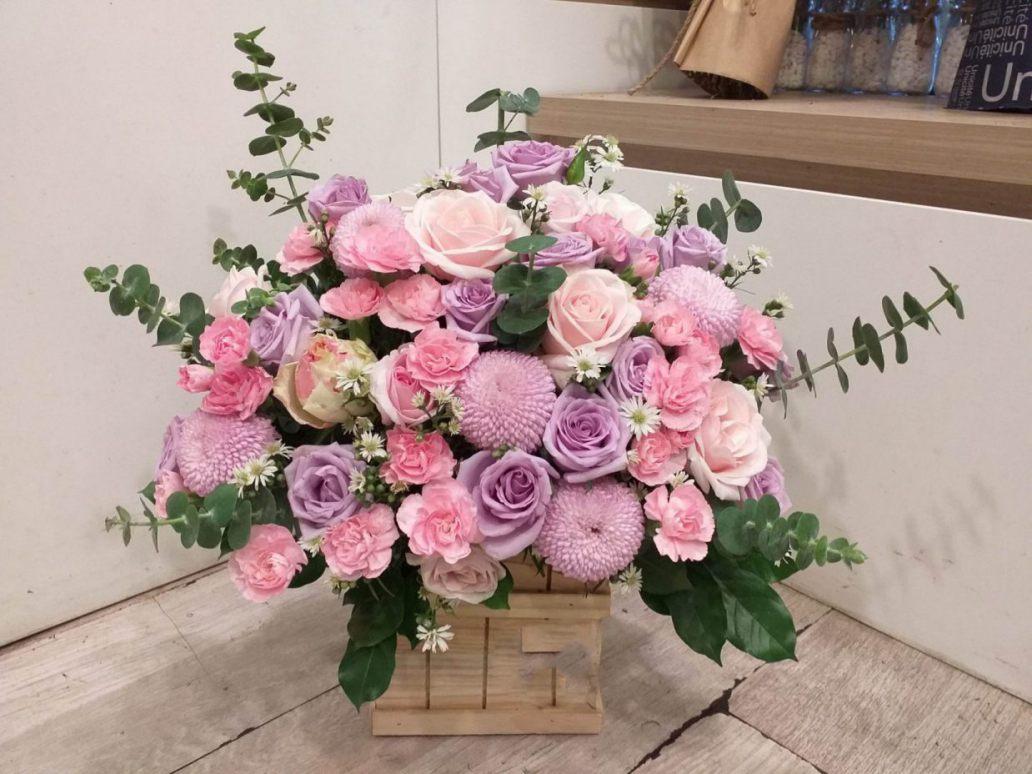 Hoa cẩm chướng cũng là 1 trong những gợi ý phù hợp