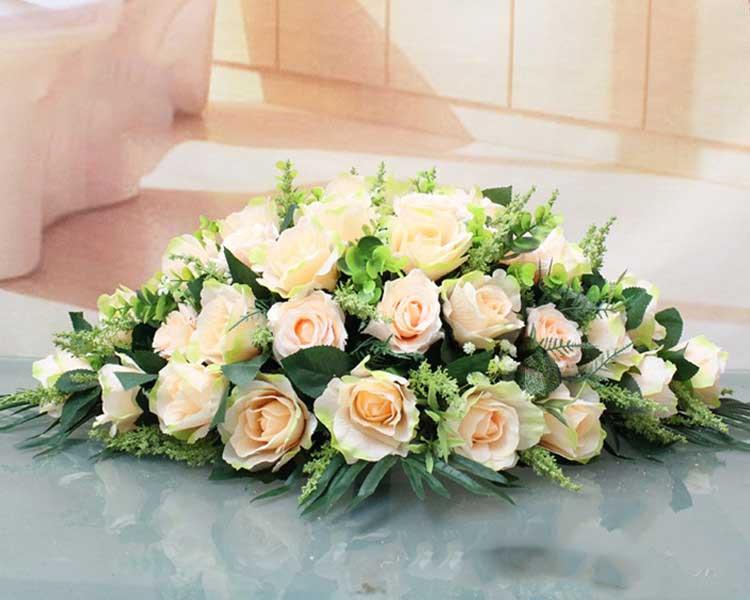 Nên chọn các loại hoa để bàn đại biểu mang ý nghĩa tốt đẹp về sức khoẻ, công việc