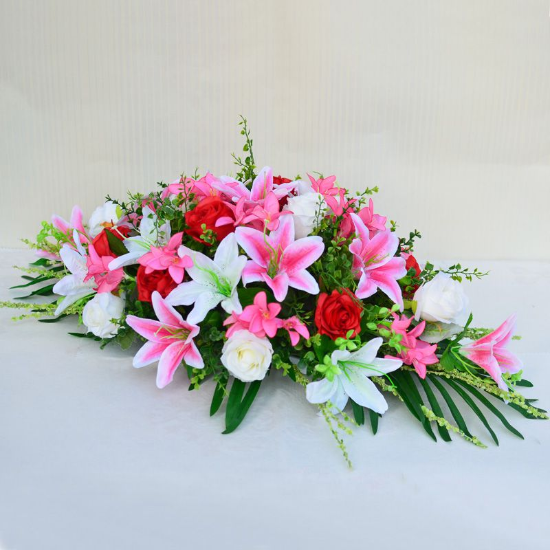 Chọn mua hoa với những tiêu chí nhất định, đảm bảo thể hiện được tính chất của buổi họp, buổi hội nghị
