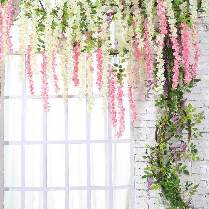 Hoa giả treo tường có tính thẩm mỹ cao