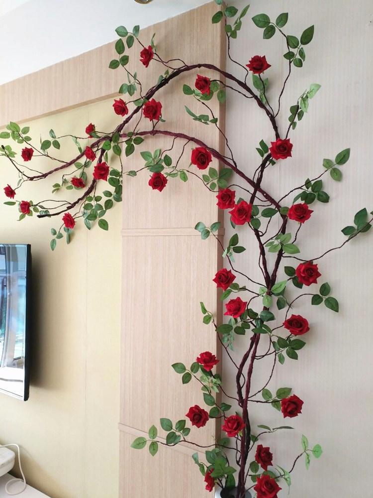 Giá của hoa giả treo tường không quá đắt