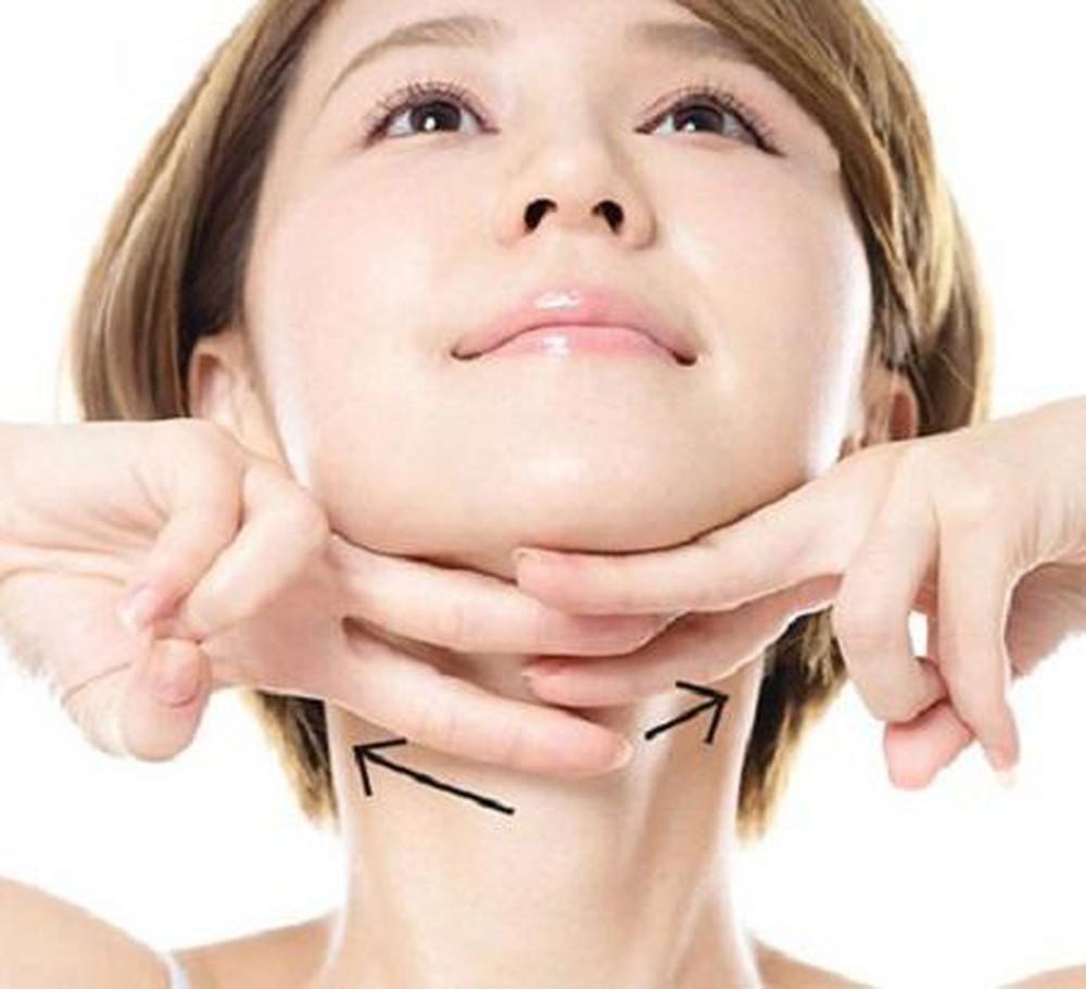 Massage cho vùng cằm - Giải pháp hiệu quả cho câu hỏi làm sao để giảm nọng cằm