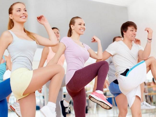 Tập thể dục mỗi sáng là giải pháp hữu hiệu để giải quyết vấn đề làm sao để hết buồn ngủ