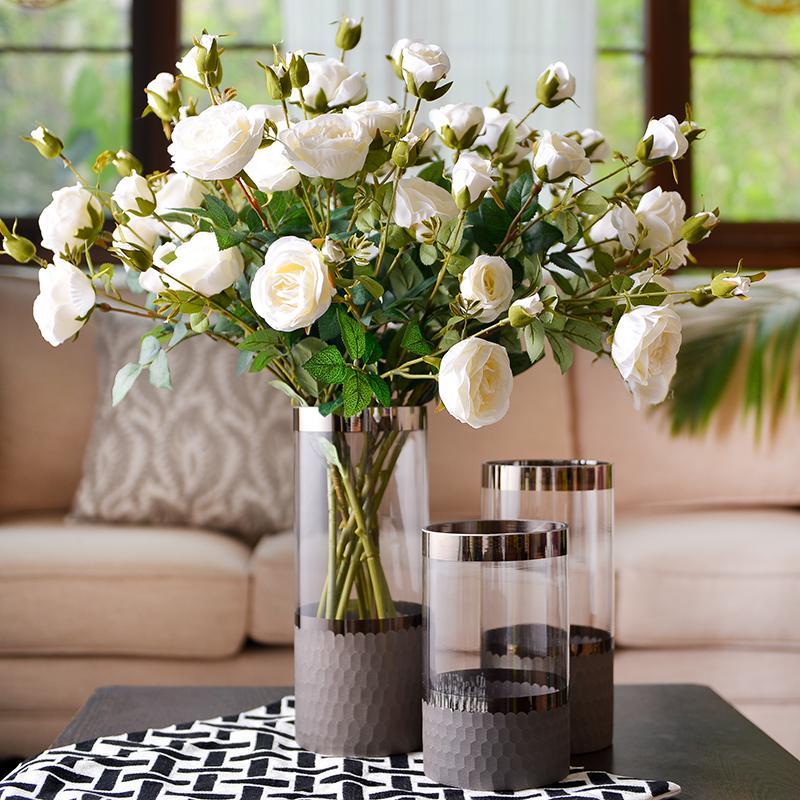 Trang trí hoa trong phòng khách
