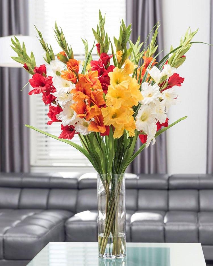 Phân chia bố cục hài hoà giúp chậu hoa khi hoàn thiện trông thu hút, ấn tượng hơn hẳn