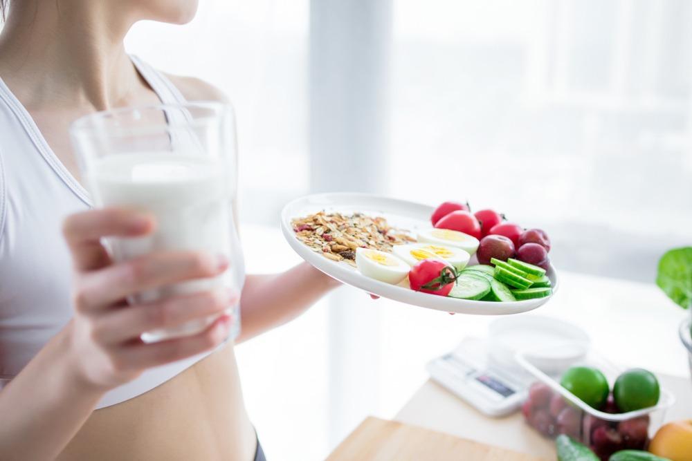 Xây dựng chế độ dinh dưỡng lành mạnh là cách để có thai an toàn và đảm bảo sức khỏe cho cả mẹ và bé trong suốt thai kỳ