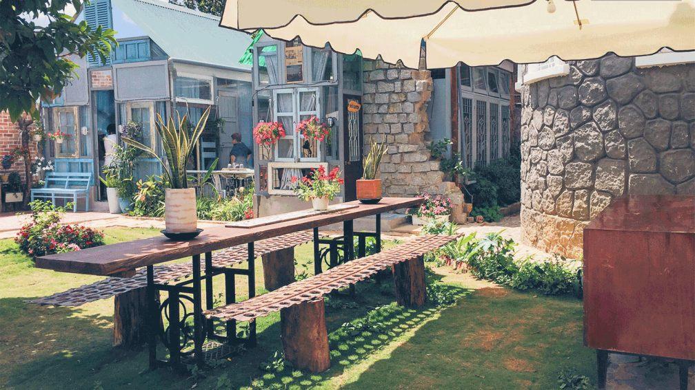 Có thể tìm kiếm homestay Hà Nội giá rẻ cho sinh viên thông qua các nền tảng book phòng du lịch