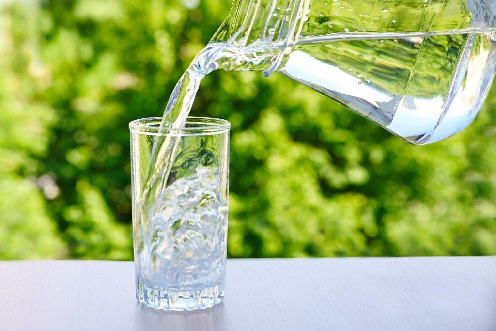Đừng quên nạp đủ lượng nước để cơ thể trao đổi chất 1 cách hiệu quả nhất