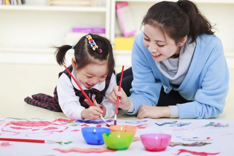 Chơi với trẻ ở giai đoạn từ 1 đến 2 tuổi – Các bậc phụ huynh cần quan tâm đến những vấn đề gì?