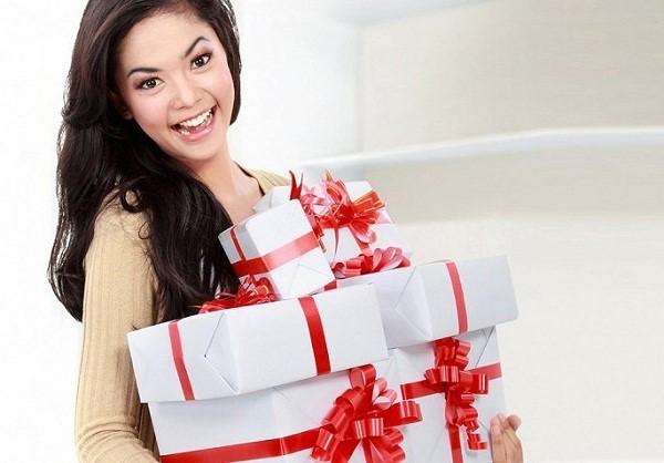 Gợi ý tặng quà ngày 8/3 cho mẹ đẻ, mẹ chồng cực kỳ hài lòng