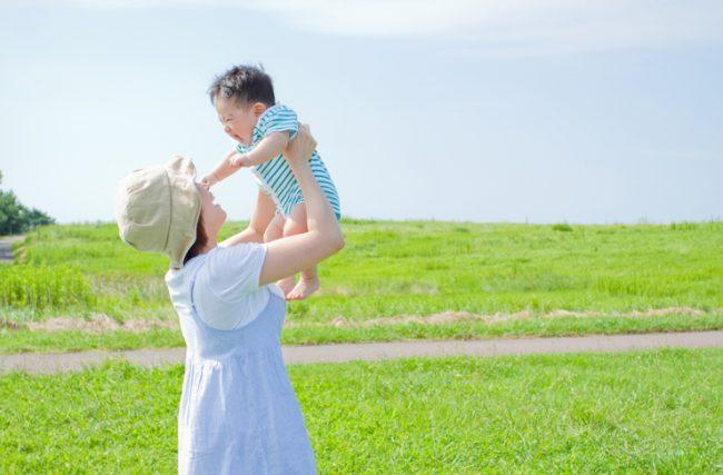 lưu ý khi tắm nắng cho trẻ sơ sinh