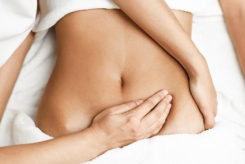 kinh-nghiem-lam-dep-sau-sinh-mo-voi-massage-bung