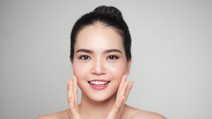 5 cách chăm sóc da mặt sau sinh giúp mẹ lấy lại tự tin
