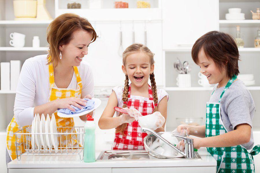 Muốn con cái tự lập, cha mẹ phải dạy con những điều thiết yếu này