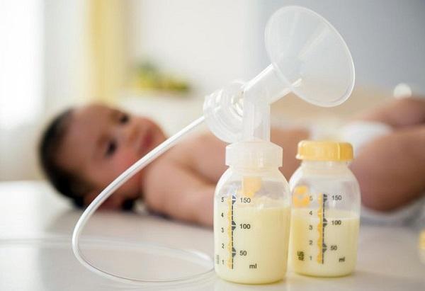 Những tác dụng thần kỳ của sữa non đối với trẻ sơ sinh