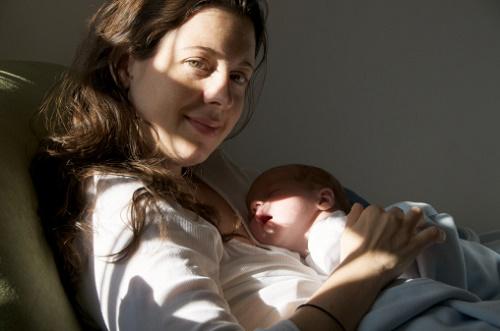 thời gian tắm nắng cho trẻ sơ sinh-11
