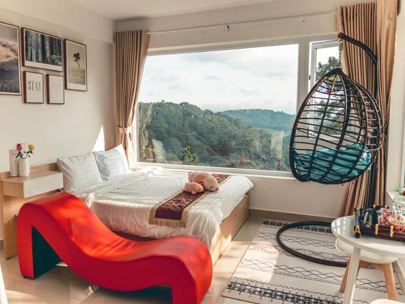 Trong khi nhiều người phân vân nên ở homestay hay khách sạn ở Đà Lạt thì với 1 số đối tượng, mô hình khách sạn vẫn là ưu tiên hàng đầu