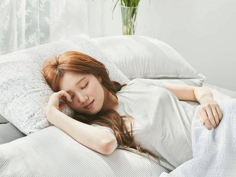 . Khi ngủ, tốc độ hình thành creatinin sẽ chậm hơn, từ đó giảm hàm lượng creatinine trong máu