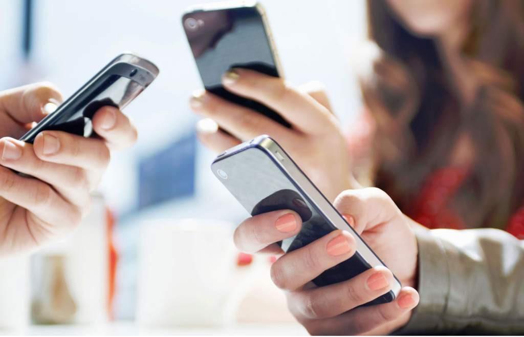 Sử dụng điện thoại lâu ngày dễ xảy ra tình trạng lag, ì ạch, khiến gián đoạn nhiều hoạt động
