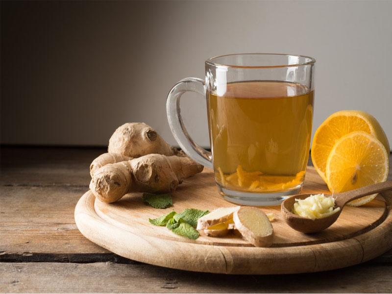 Làm sao để đỡ đau bụng kinh hiệu quả? Uống trà gừng nóng sẽ là giải pháp đáng cân nhắc cho bạn